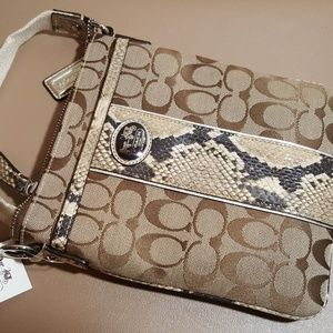 NWT COACH Sutton Signature Python Swingpack #47875